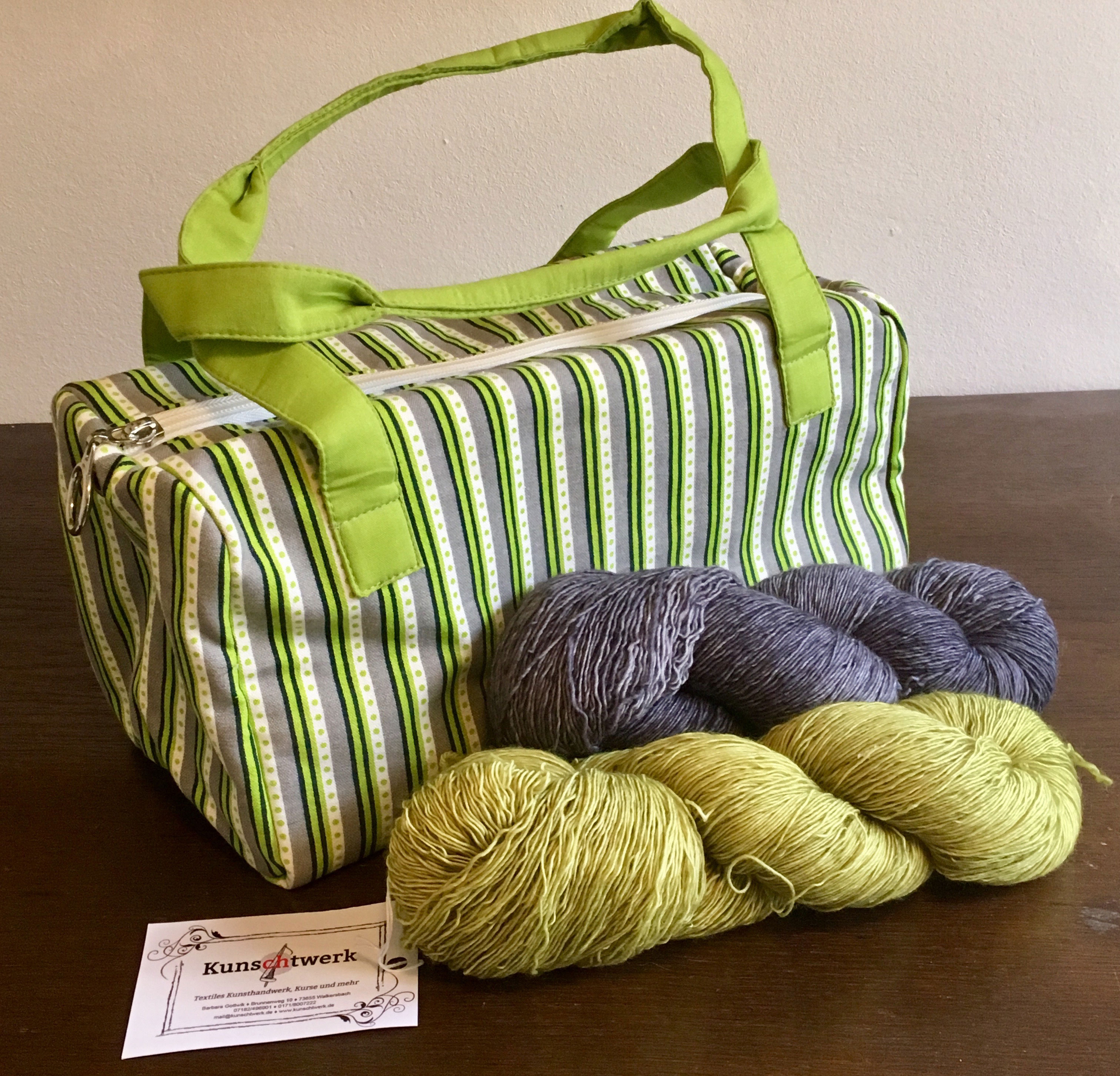 Projekttasche Caddy mit passender Kunstwerk-Wolle