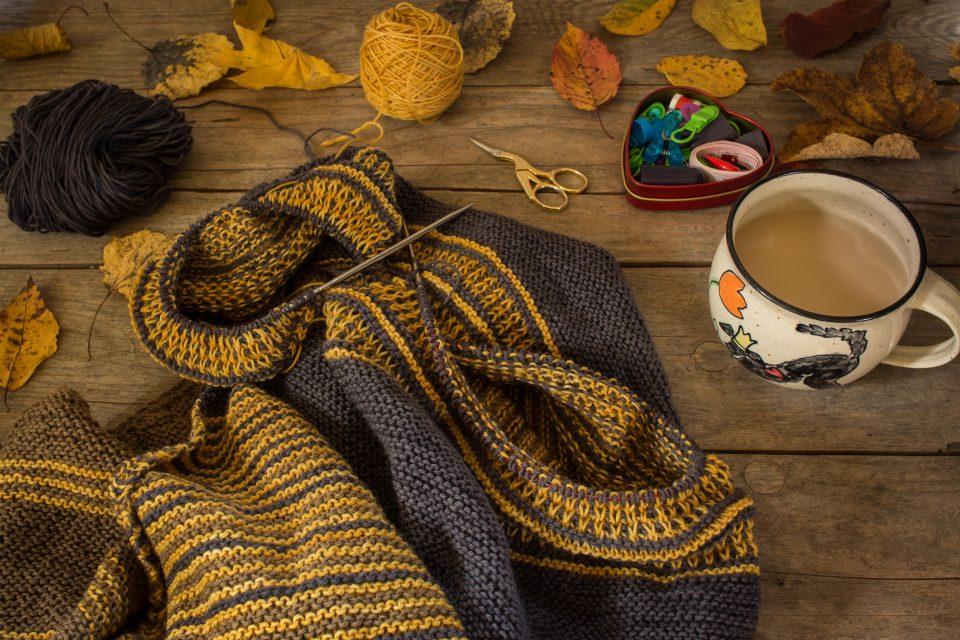 Herbstliche Strickarbeit