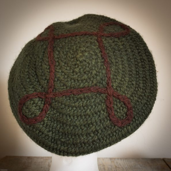 Nadelgebundene Mütze von oben