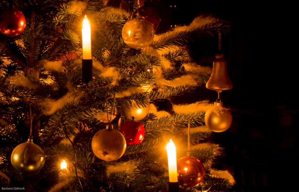 Mittwinter - der Weihnachtsbaum bringt Licht